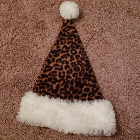 6d7e56a2fbcf3 DanDee Accessories - 🎅🤶🐆🐾 Fleece leopard print santa hat